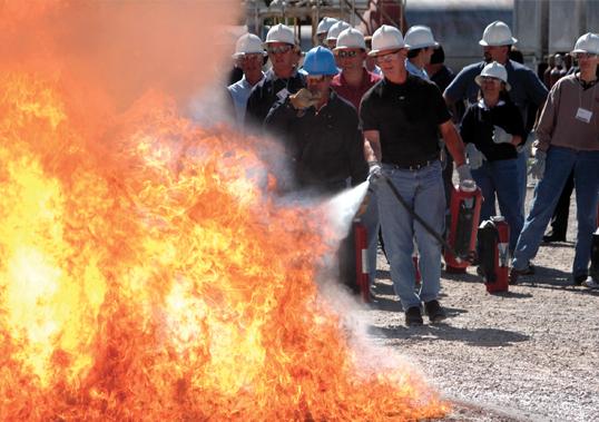 Existencia, presencia y ubicación de extintores de incendios en obras de construcción